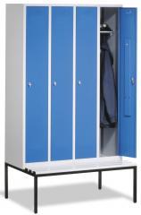 Garderoben-Stahlspinde CLASSIC mit glatten Türen und untergebauter Sitzbank