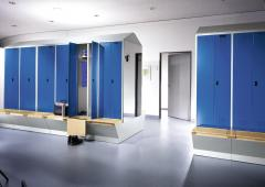 Garderoben-Stahlspinde SERIE EVOLO mit untergebauter Aufbewahrungsbox