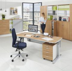 Schreibtische iMODUL mit hochwertiger Aluminiumkante