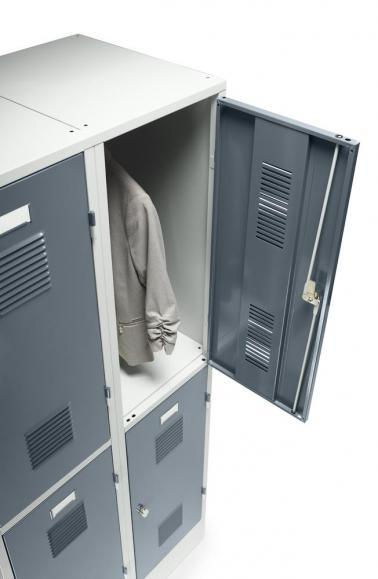 Doppelstöckiger Garderobenspind Delta PROTECT Blaugrau RAL 7031 | 300 | 4 | Drehriegelverschluss