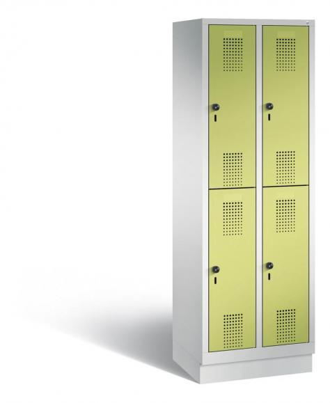 Doppelstöckiger Garderobenspind EVOLO mit Sockel Apfelgrün | Lichtgrau RAL 7035 | 300 | 4