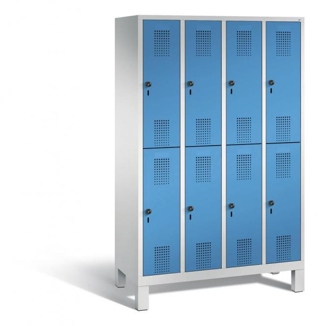 Doppelstöckiger Garderobenspind EVOLO mit Füßen Lichtblau RAL 5012 | 300 | 8 | Lichtgrau RAL 7035