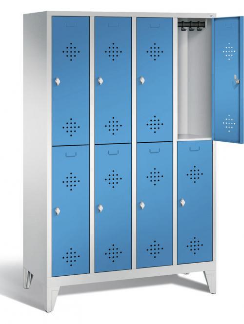 Doppelstöckiger Garderobenspind CLASSIC mit Füßen Lichtblau RAL 5012 | mit Füßen | 300 | 8