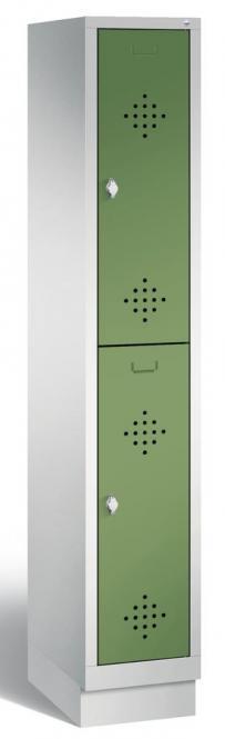 Doppelstöckiger Garderobenspind CLASSIC mit Sockel Resedagrün RAL 6011 | 300 | 2