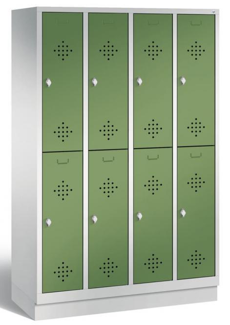 Doppelstöckiger Garderobenspind CLASSIC mit Sockel Resedagrün RAL 6011 | 300 | 8 | mit Sockel