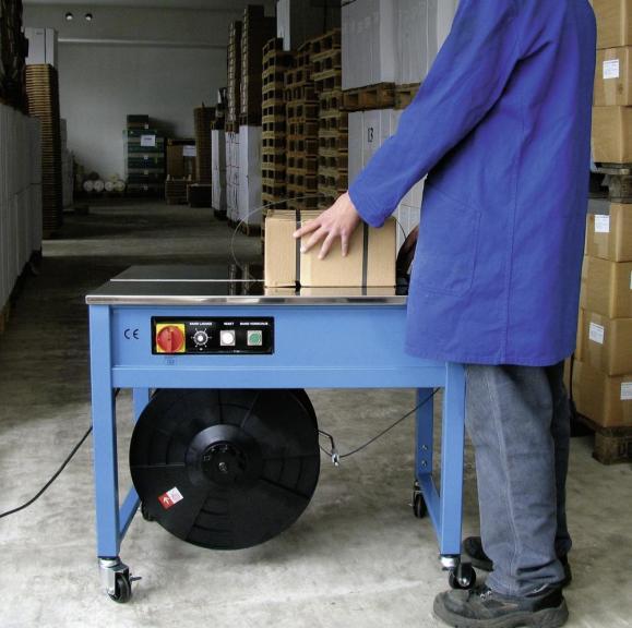 Halbautomatische Tischumfreifungsmaschine, fahrbar