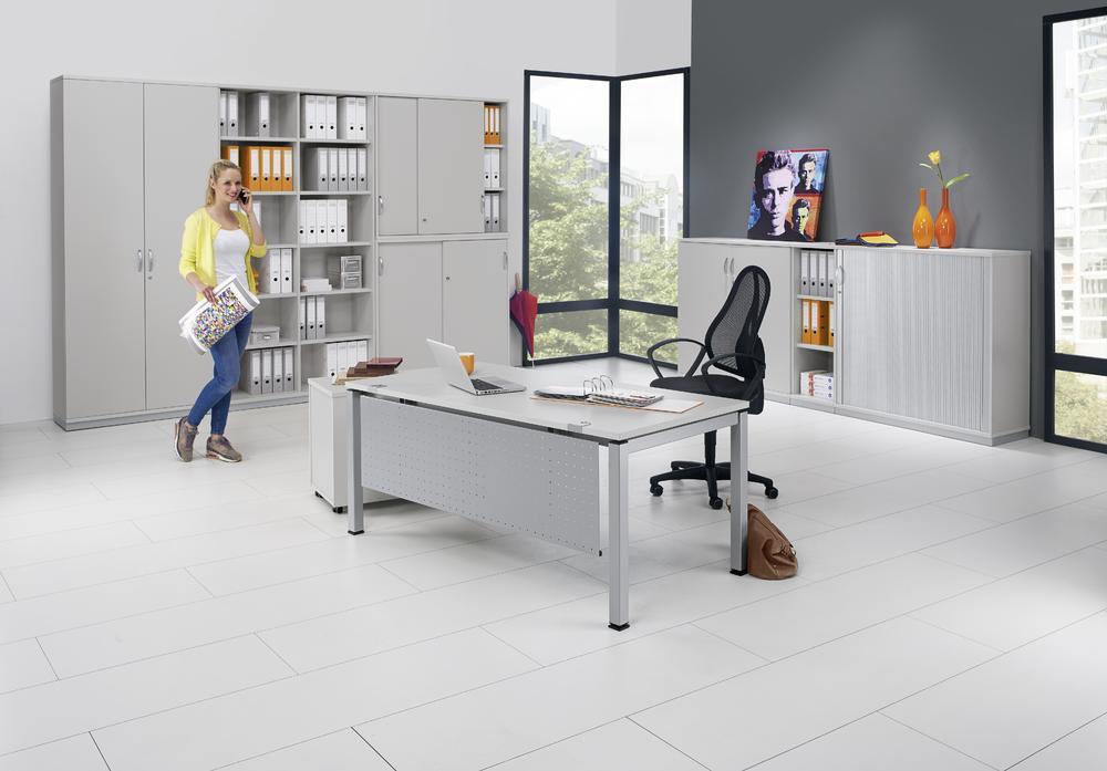 schreibtische mit 4 fu quadratrohr profi modul bequem online bestellen bei delta v. Black Bedroom Furniture Sets. Home Design Ideas